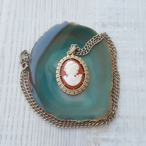 Avon | Vintage 1974 Signed Cameo Pendant Necklace